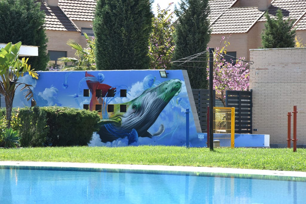 Pintura mural con graffiti
