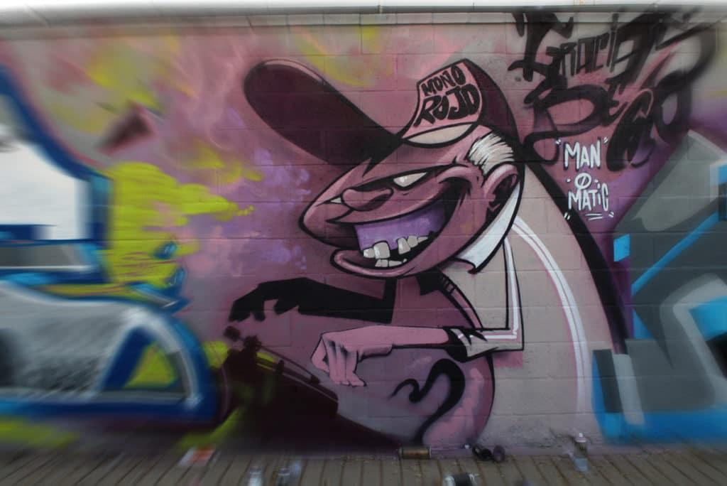 graffiti homenaje a Bece por Manomatic